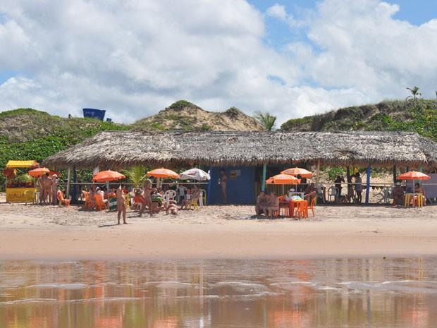 Praia de nudismo de Massarandupió, em Entre Rios, na Bahia (Foto: Divulgação/Portal Brasil Naturista)