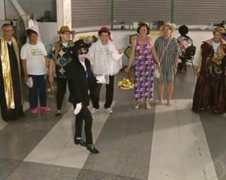 Aulas de teatro contribuem para a saúde da 3ª idade de Volta Redonda (Foto: Reprodução RJTV 2ª Edição)