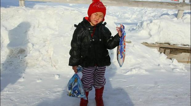 Saglana Salchak percorreu quilômetros durante o rigoroso inverno da Sibéria (Foto: Yury Darbaa)