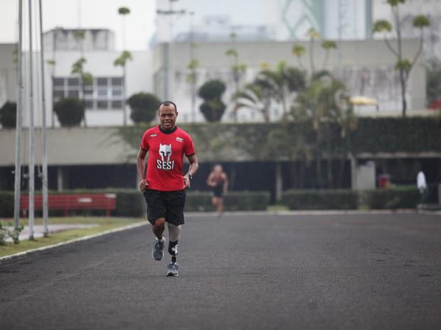 Renato Nunes é ex-metroviário e vai disputar Paralimpíada 2016 (Foto: Glauco Araújo/G1)