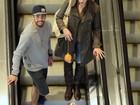 Luana Piovani e Pedro Scooby vão com filho Dom, o simpático, a shopping