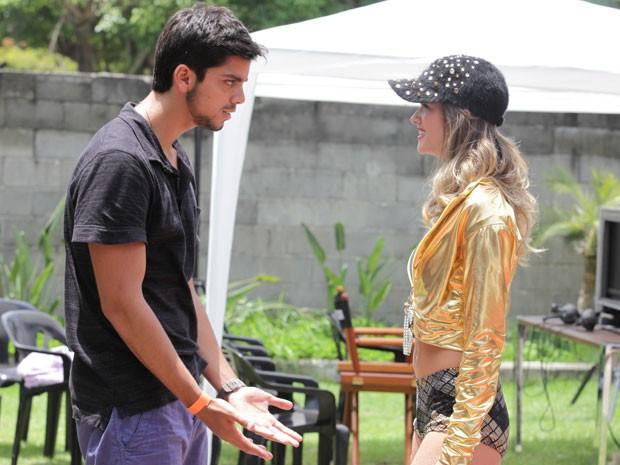 FIGHT! Bruno não curte folga de Realeza e vai tirar história a limpo com Fatinha (Foto: Malhação / Tv Globo)