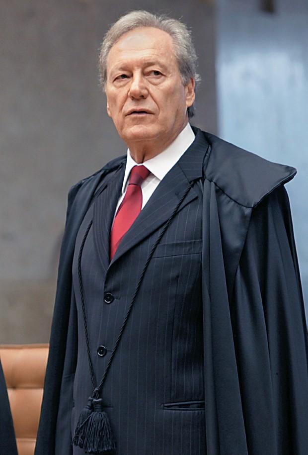 EXTRADIÇÃO O ministro do Supremo Ricardo Lewandowski. Segundo ele, a atuação do advogado Luiz Eduardo Greenhalgh não fez diferença no caso (Foto: Ag. STF)