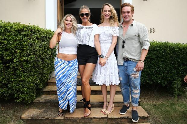 Karina Bacchi, Adriane Galisteu, Talytha Pugliesi e Helinho Calfat (Foto: Manuela Scarpa/Brazil News)