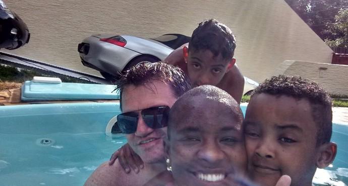 Os filhos de Angélica se dão bem com o 'namorido' da ex-BBB (Foto: Arquivo Pessoal)