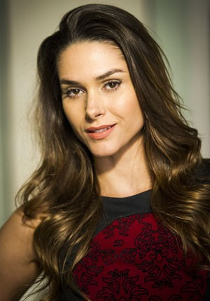 Fernanda Machado mostra os segredos do make de Leila (Foto: João Miguel Júnior/TV Globo)