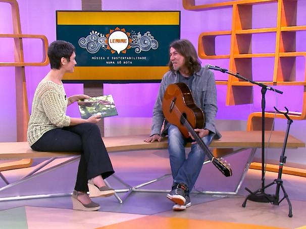 O cantor e compositor Lenine fala de música e sustentabilidade no Como Será? (Foto: Reprodução de TV)