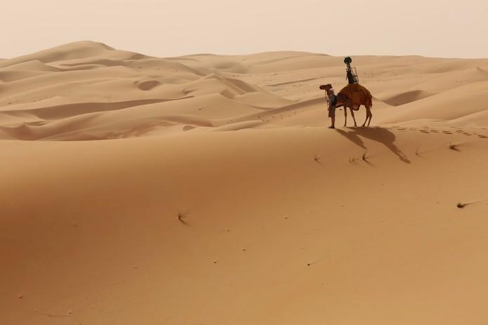 Trekker do Street View foi montado em camelo para fazer imagens (foto: Reprodução/Google)