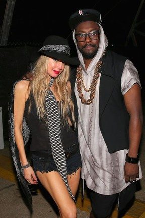 Will.i.am e Fergie, do Black Eyed Peas, no Coachella em Indio, na Califórnia, nos Estados Unidos (Foto: Mark Davis/ Getty Images/ AFP)