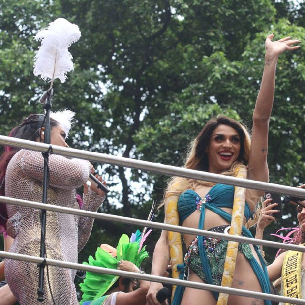 Preta Gil canta com Pabllo (Foto: AgNews)