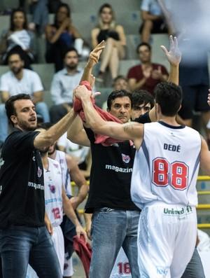 Franca x Caxias NBB basquete (Foto: Newton Nogueira)