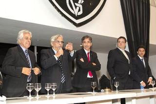 Eurico e nova diretoria no Vasco (Foto: Divulgação / Paulo Fernandes)