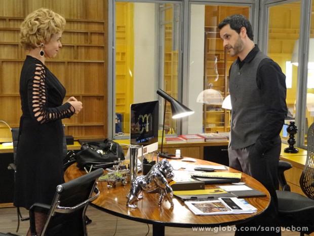 Bárbara quer convercer Natan que ela é sua salvação (Foto: Sangue Bom / TV Globo)