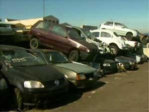 Veículos apreendidos no pátio da Emdec, em Campinas (Foto: Reprodução EPTV)
