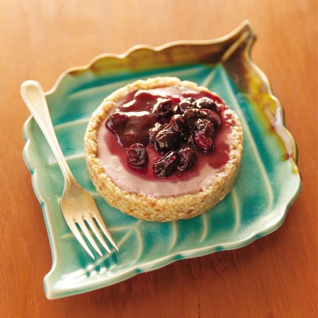 Tartelete raw de morango com blueberry – Chef Andrea Henrique (Foto: Reprodução)