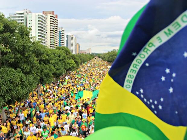Segundo organização, 100 mil pessoas compareceram ao protesto (Foto: Suelen Gonçalves/G1 AM)