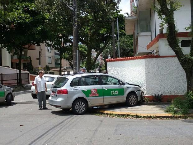 Motorista foi socorrido e encaminhado para PS da cidade (Foto: Willianne Freire Martins/Arquivo Pessoal)