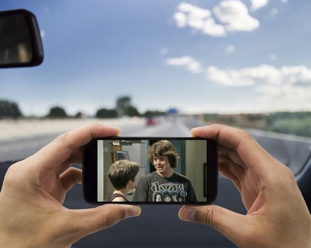 Há diversos dispositivos móveis, como celulares com TV digital, mini-TVs, notebooks e outros aparelhos com telas pequenas, com capacidade de sintonizar a TV digital (Foto: Globo)