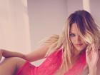 Candice Swanepoel protagoniza ensaio de lingerie da Victoria's Secret
