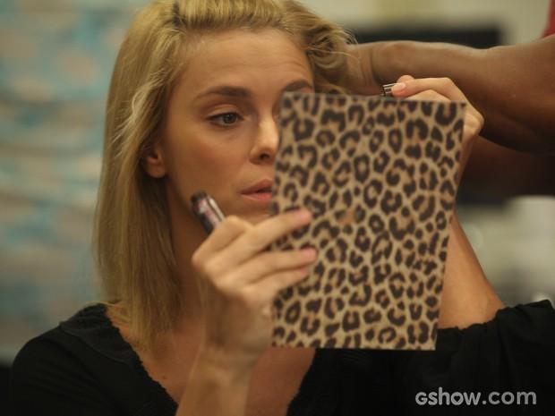 Carolina Dieckmann se prepara para viver Ioiô (Foto: Pedro Curi/TV Globo)