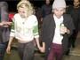 Kristen Stewart e Alicia Cargile deixam festa de mãos dadas