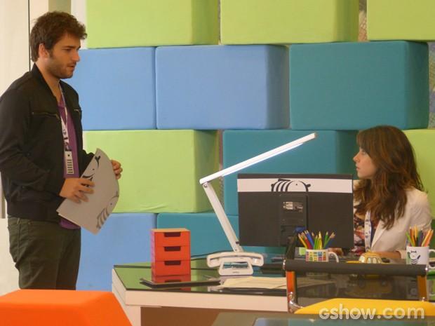 Davi não fica totalmente convencido com as explicações de Manu (Foto: Geração Brasil/TV Globo)