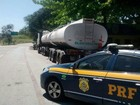 PRF recupera caminhão com 45 mil litros de petróleo em rodovia