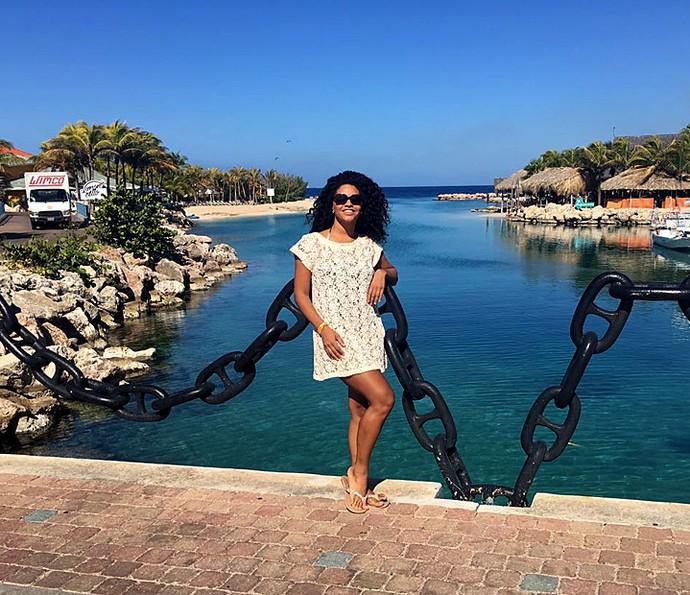 Juliana Alves e os tons de azul do mar do Caribe (Foto: Arquivo pessoal)