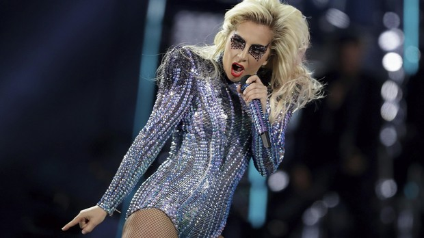 Lady Gaga, que se apresentou neste domingo no Super Bowl,  mais uma atrao confirmada no Rock in Rio 2017 (Foto: Darron Cummings/Associated Press)