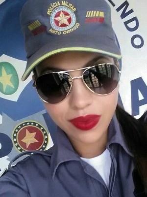 Lorrayne Neves manteve contato com traficante por telefone (Foto: Arquivo pessoal/ Lorrayne Neves)