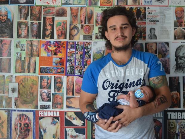 'Quero ser um pai assim como meu pai foi', diz João  (Foto: Pâmela Fernandes/ G1)