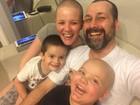 'Acreditar no impossível', dizem pais após transplante de medula dos filhos