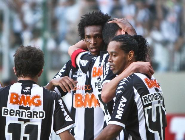 Jô e Ronaldinho gol Atlético-MG (Foto: Bruno Cantini / Flickr do Atlético-MG)