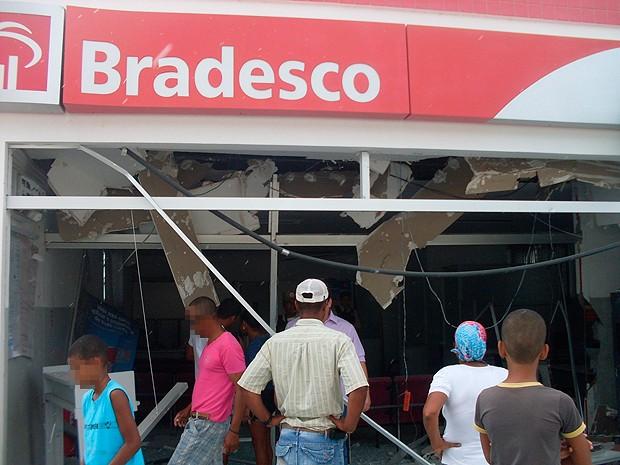 Banco em Milagres, Bahia (Foto: Polícia Militar/ Divulgação)