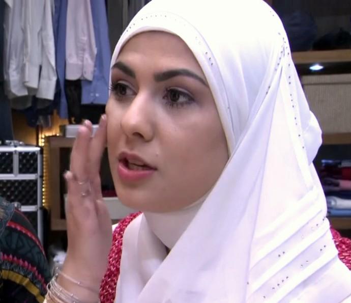 Mag Harat ensina a aplicar maquiagem sem usar pincel (Foto: TV Globo)
