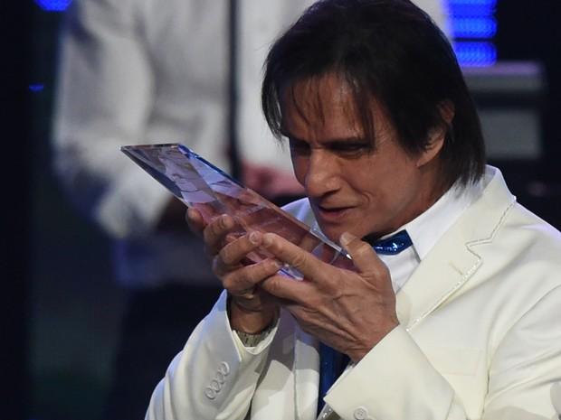 Roberto Carlos em prêmio de música em Las Vegas, nos Estados Unidos (Foto: Mark Ralston/ AFP)