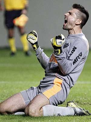 Victor pega pênalti e leva Atlético  à semifinal da Libertadores (Washington Alves / Reuters)