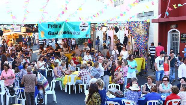 As com delícias típicas foram os grandes destaques da Londrina Junina (Foto: Rubem Vital/ RPC)