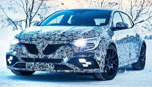 Renault divulga novas fotos do novo Megane RS camuflado (Foto: Divulgação)
