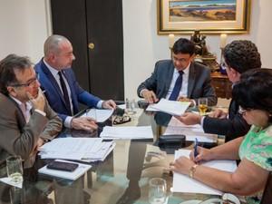 Wellington autorizou, em reunião com equipe da Sasc, a reforma do CEM (Foto: Jorge Henrique Bastos)