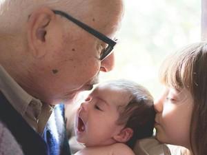 'Fofão' com duas de suas netas (Foto: Pedro Pessini/Arquivo Pessoal)