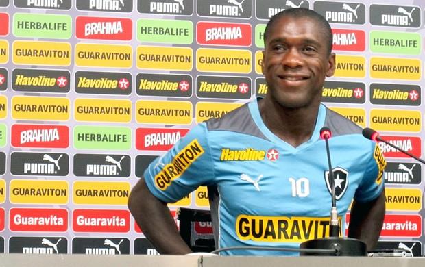 Seedorf coletiva Botafogo (Foto: Globoesporte.com)
