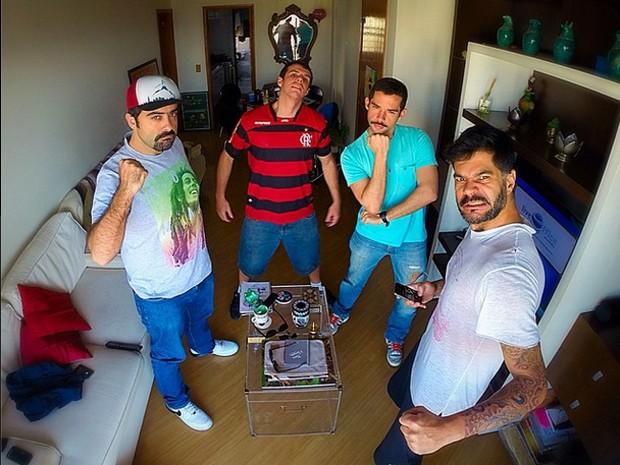 Imagem divulgada pelo grupo de humor 'Hermes e Renato' anunciando que vão continuar as atividades após a morte de Fausto Fanti (Foto: Divulgação / Hermes e Renato)
