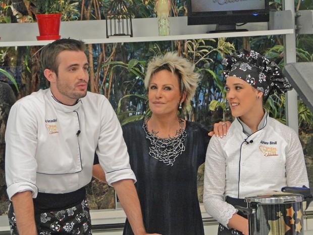 Adriana Birolli e Max Fercondini estão na Panela de Pressão (Foto: Mais Você / TV Globo)