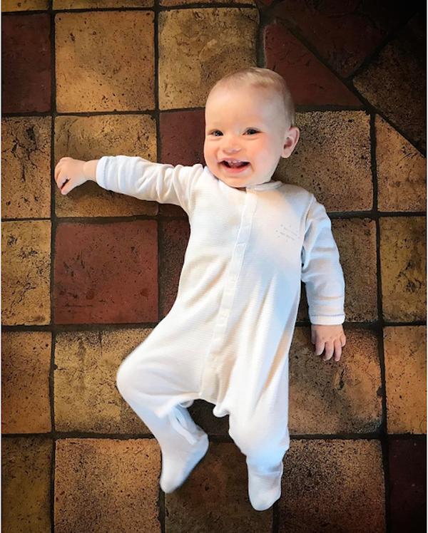 O filho de sete meses do apresentador Jamie Oliver (Foto: Instagram)