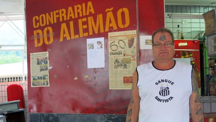 Alberto Francisco de Oliveira Júnior Alemão Fanático FC Santos (Foto: Bruno Gutierrez)