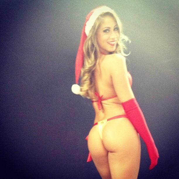 Carol Narizinho de Mamãe Noel (Foto: Instagram)
