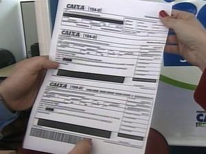 Procon alerta sobre falsa cobrança em boletos em São Carlos (Foto: Reprodução/EPTV)