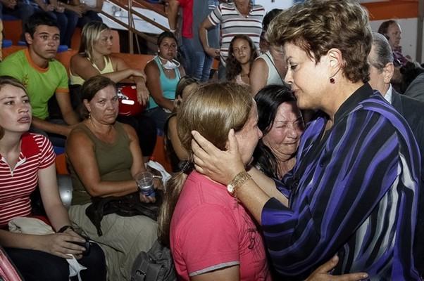 Dilma Rousseff se encontra com familiares de vítimas e feridos (Foto: Roberto Stuckert Filho/PR)