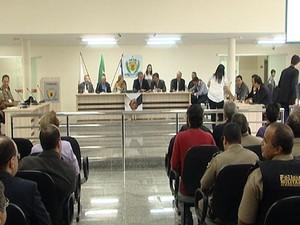Nova Serrana MG reunião audiência pública segurança  (Foto: Reprodução/TV Integração)
